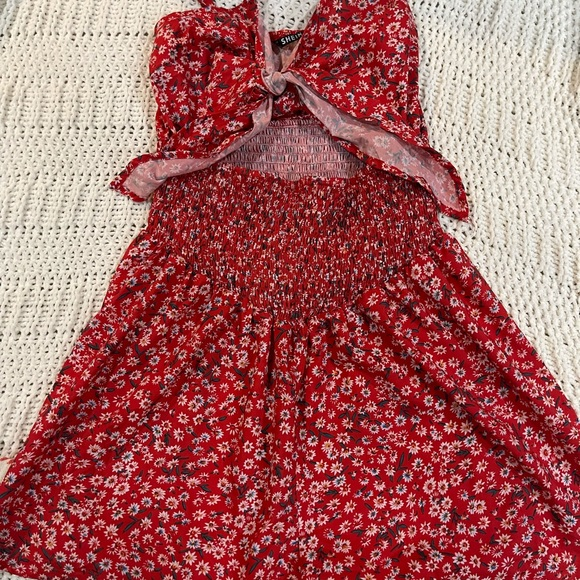 Red floral romper size small SHEIN